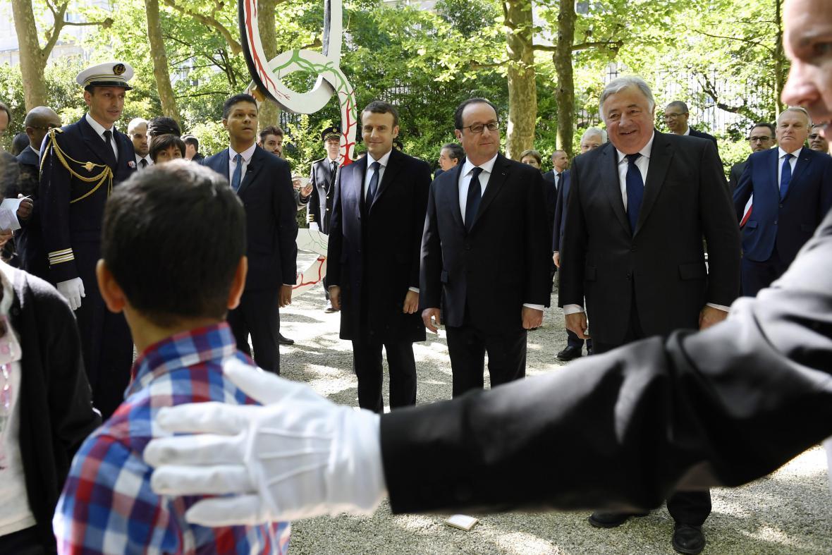 Francoise Hollande a Emamnuel Macron