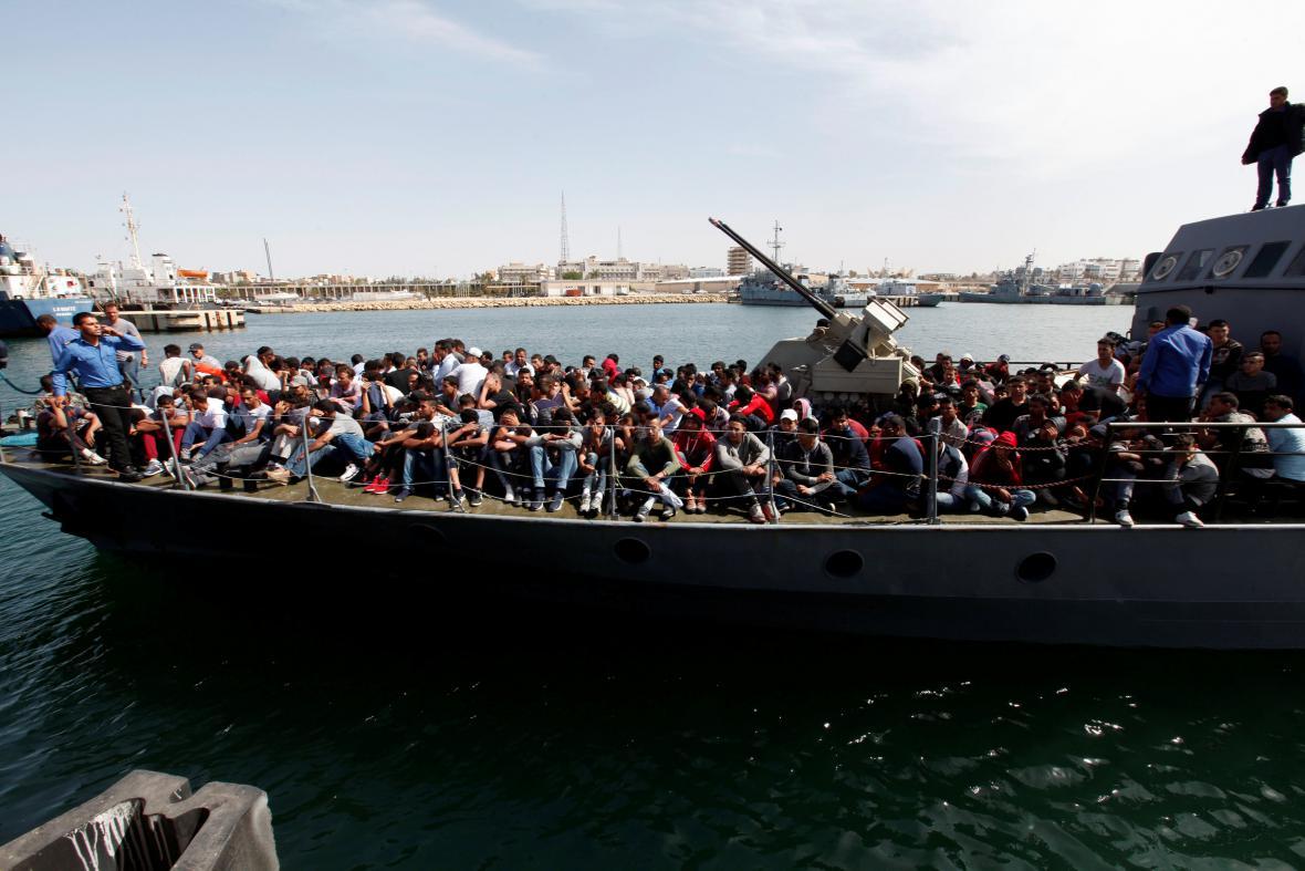 Záchrana běženců u Libye
