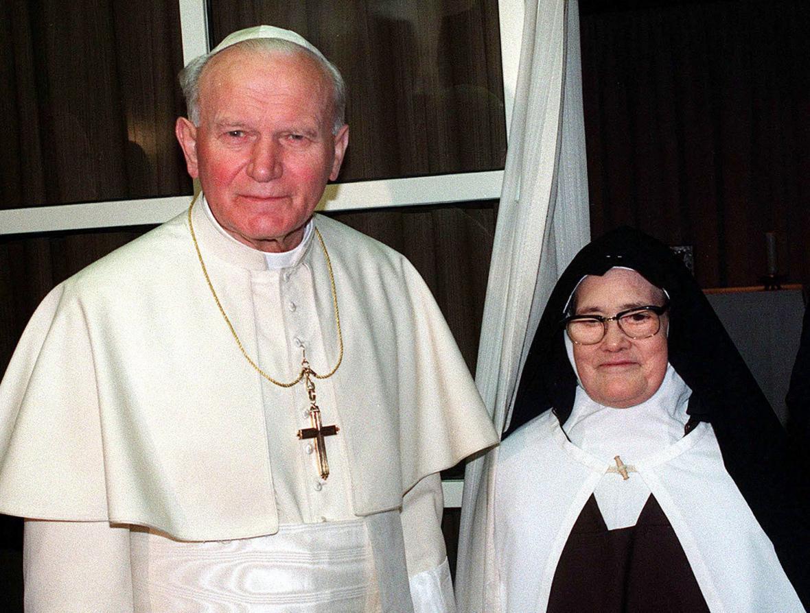 Jan Pavel II. se sestrou Lucií dos Santosovou