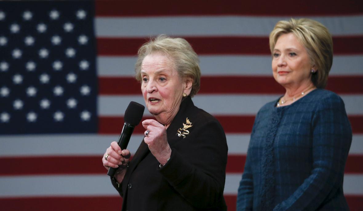 Albrightová v prezidentské kampani podpořila Hillary Clintonovou