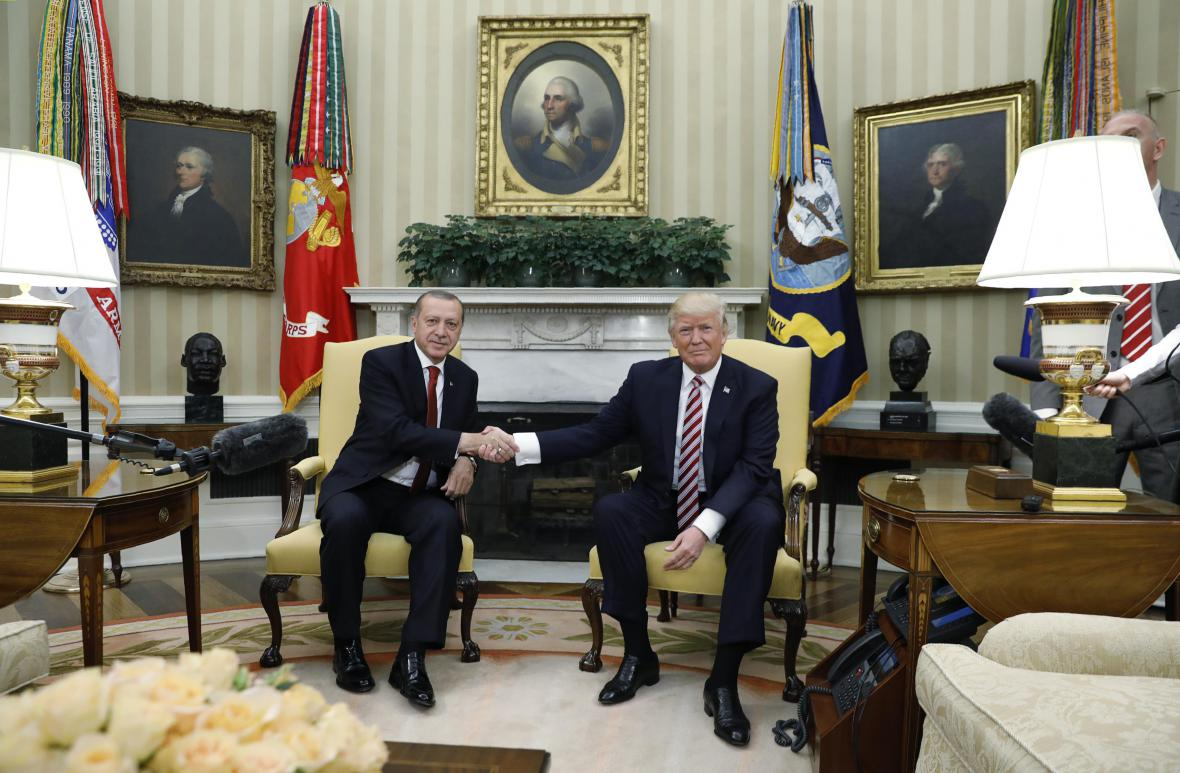 Prezidenti Recep Tayyip Erdogan a Donald Trump