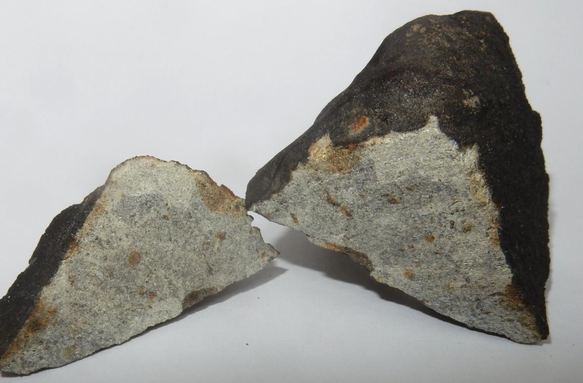 Meteorit Hradec Králové, který nalezl 30. 7. 2016 pan M. Maršík