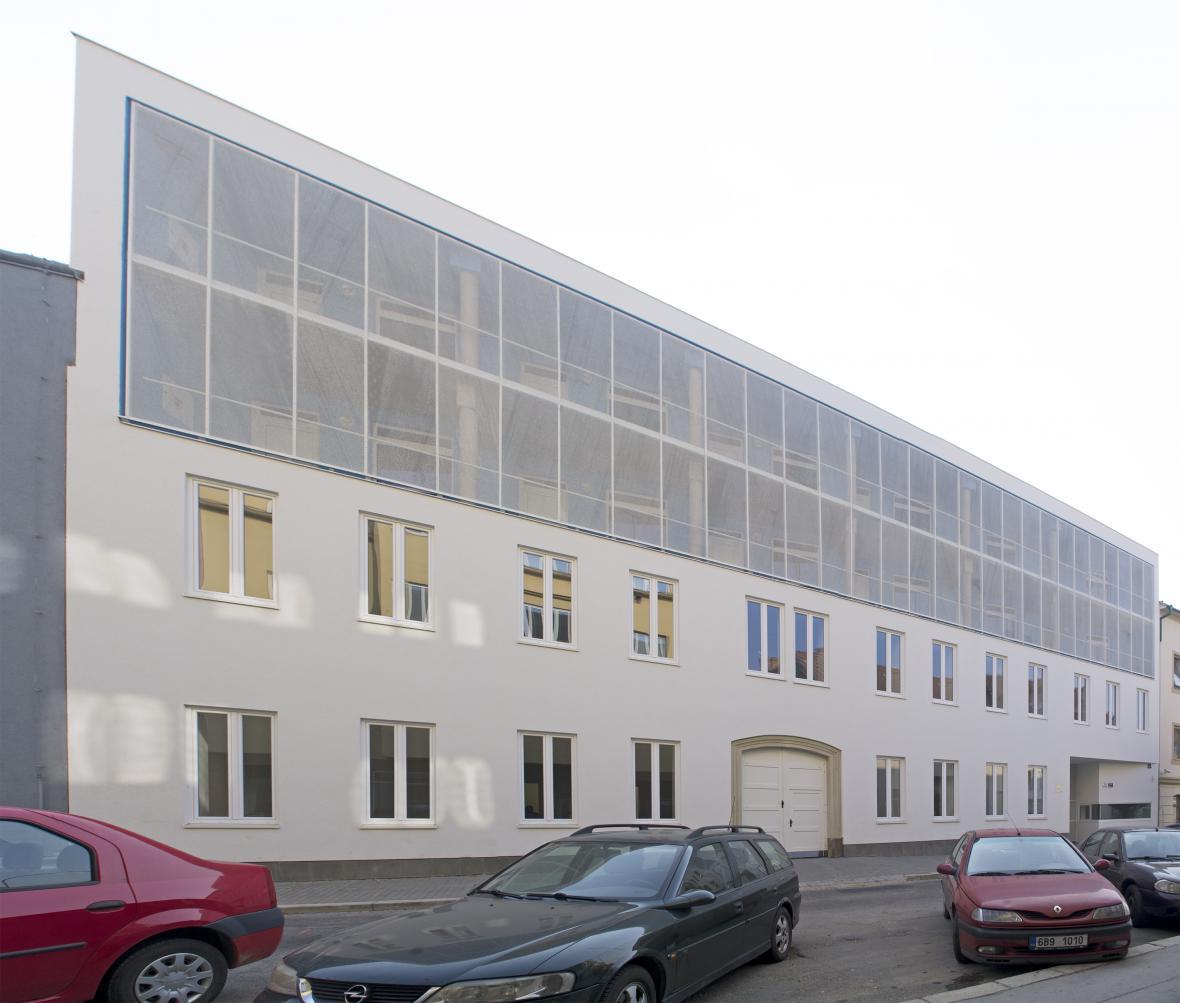 Rekonstrukce bytového domu v Brně (AGP architekti)