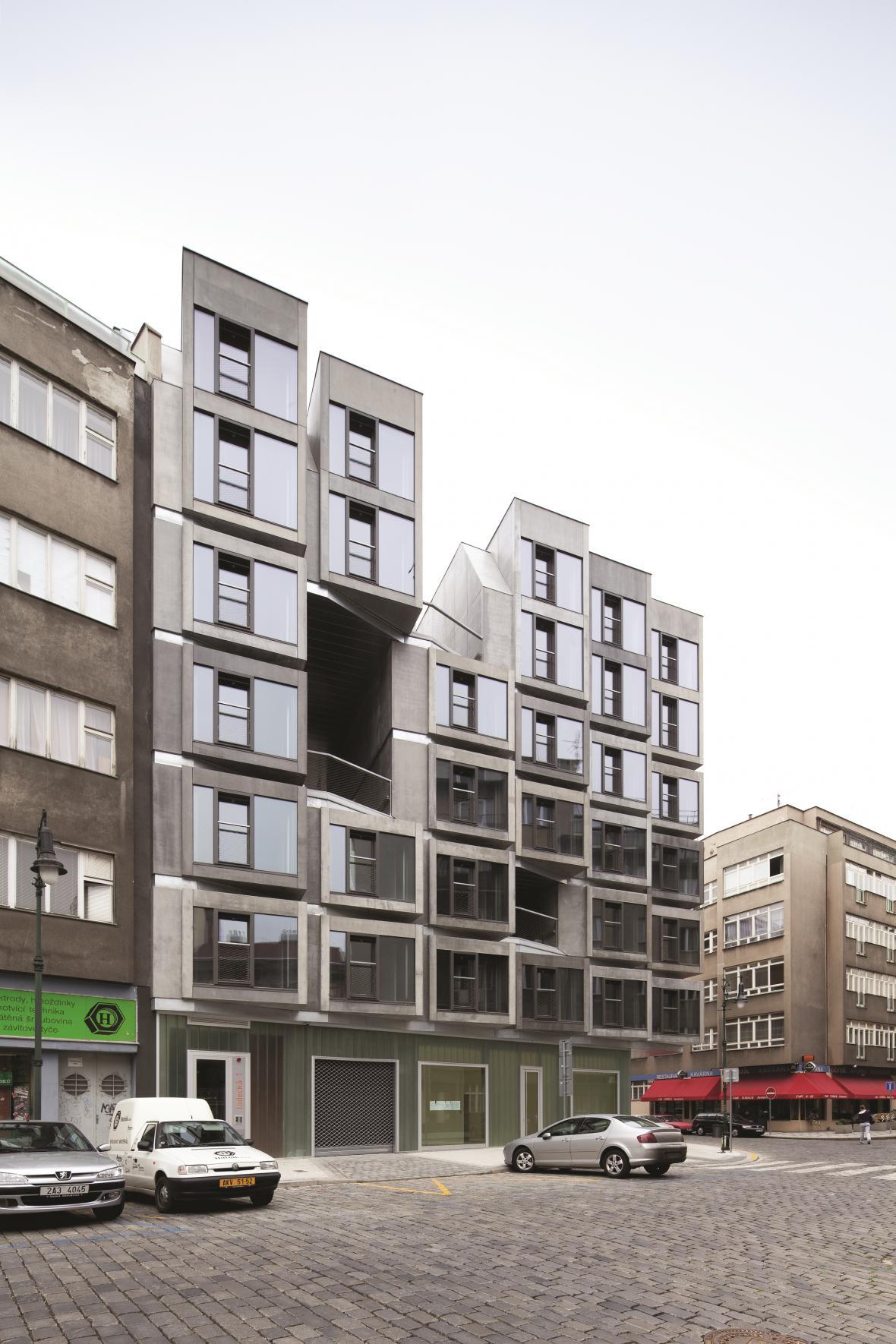 Bytový dům s tělocvičnou v Praze (DAM architekti)