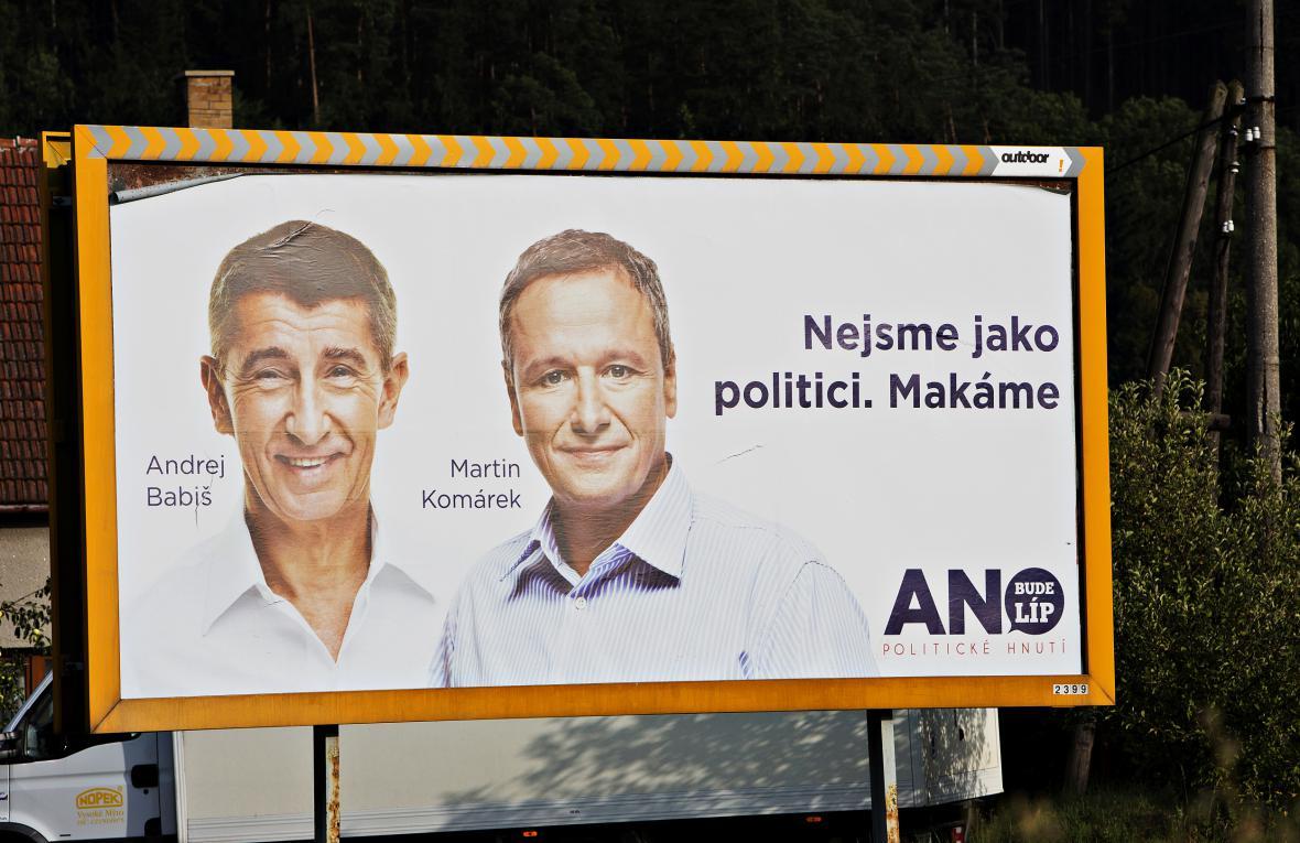 Andrej Babiš a bývalý komentátor MF Dnes Martin Komárek v kampani 2013