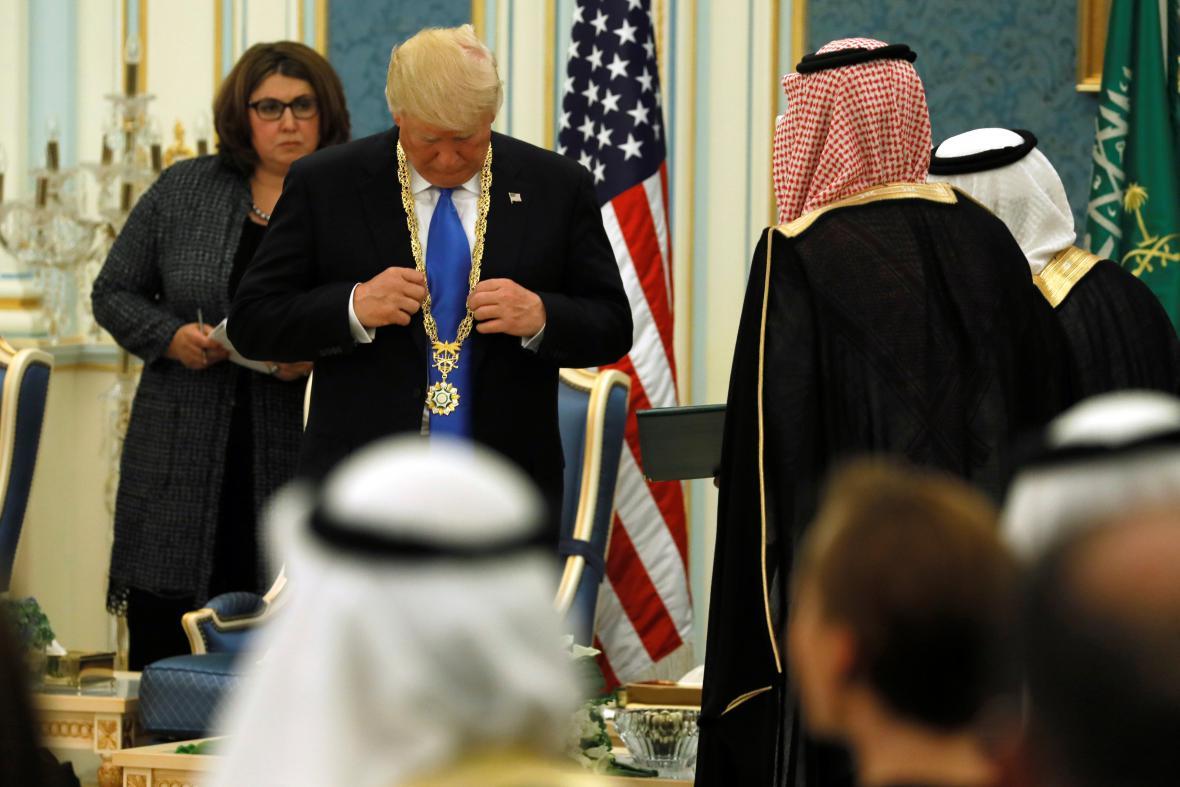 Trump obdržel nejvyšší civilní řád saúdského království