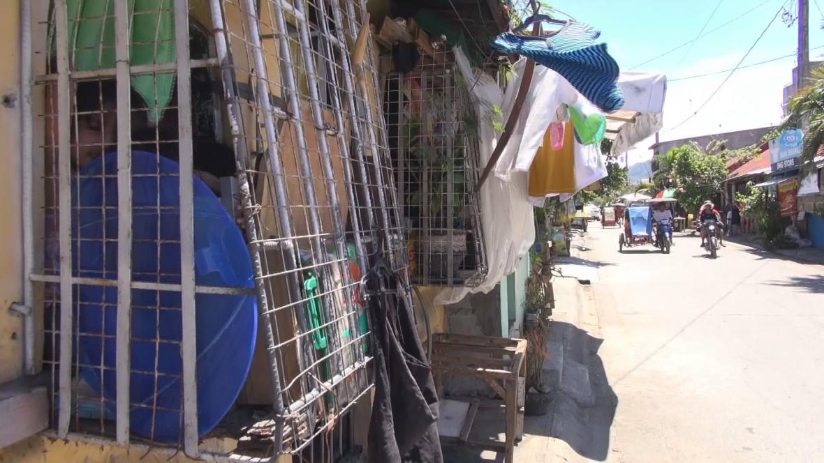 Vystěhovávání z chudinských čtvrtí na Filipínách