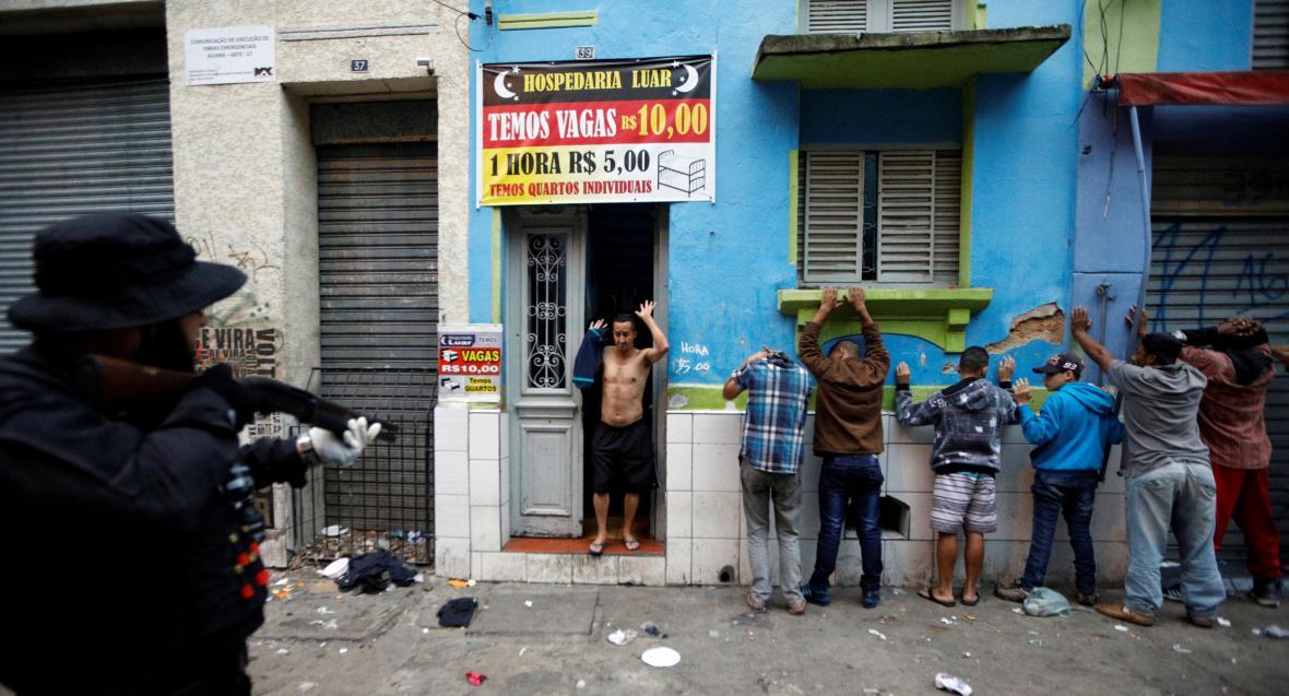 Zásah policie v drogové čtvrti Sao Paula