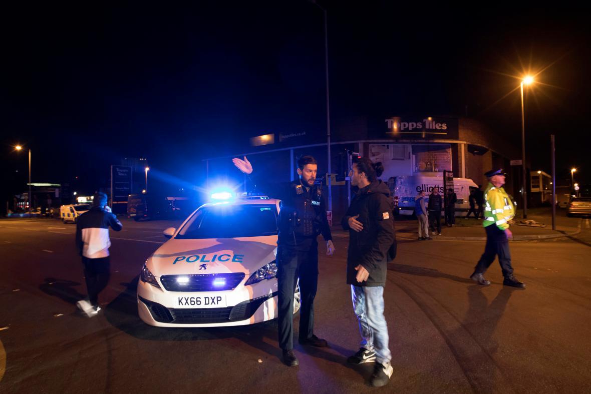 Policie po útoku vymezovala oblast kolem haly v Manchesteru