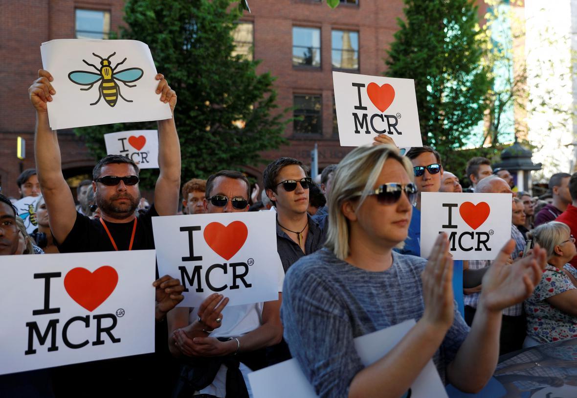 Pieta za oběti útoku v Manchesteru