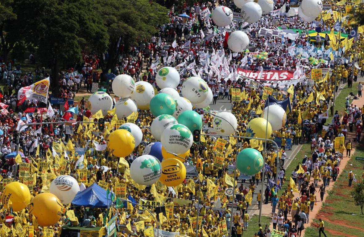 Brazilci protestují proti prezidentovi