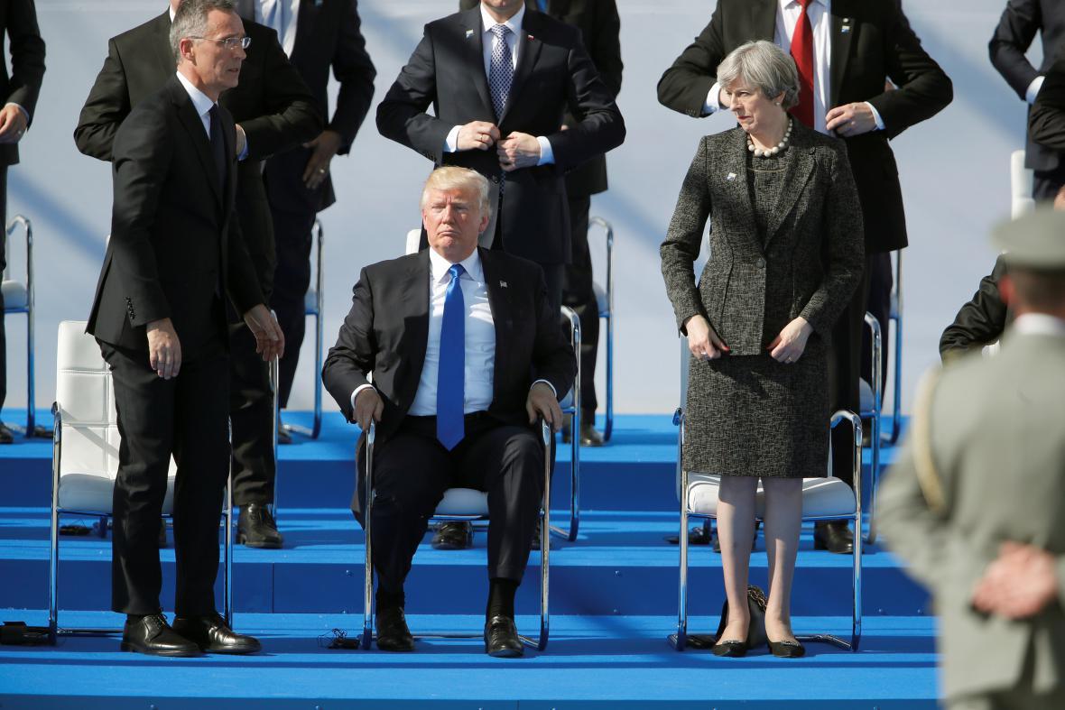 Trump v novém sídle NATO