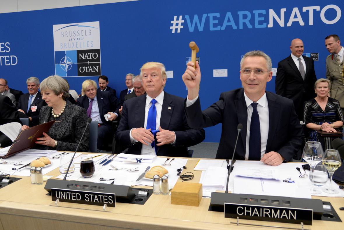 Trump na svém prvním summitu NATO