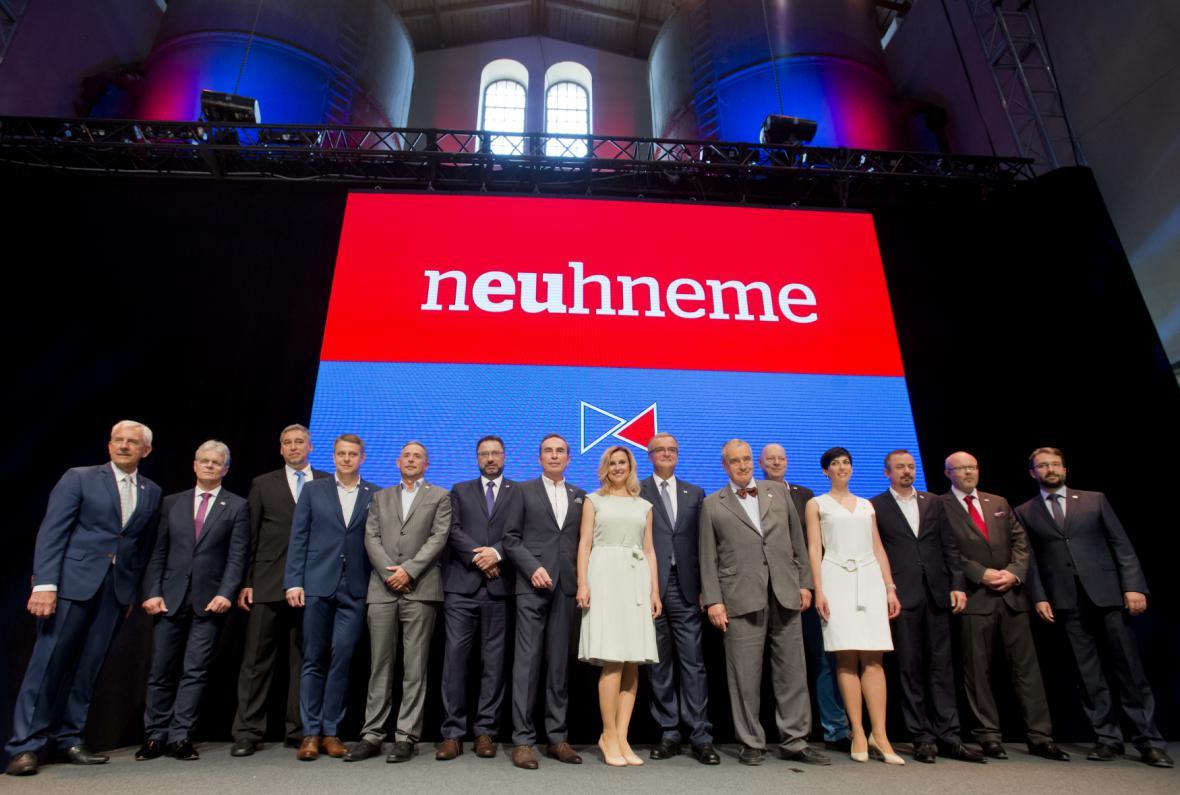 TOP 09 zahájila kampaň pro říjnové volby pod heslem Neuhneme