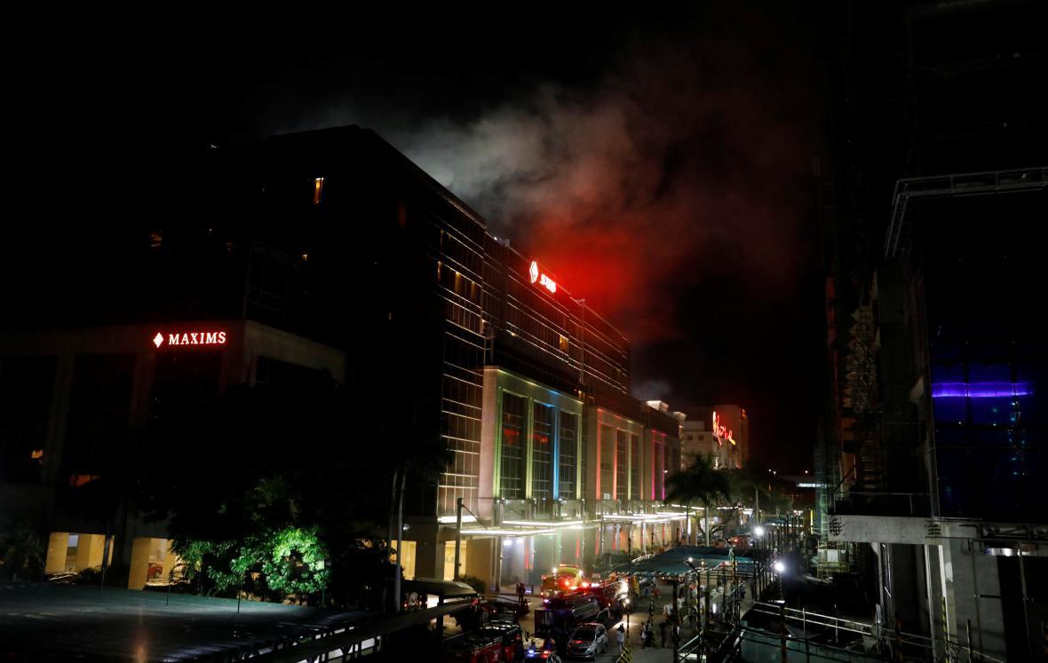 Útok na hotelový komplex v Manile