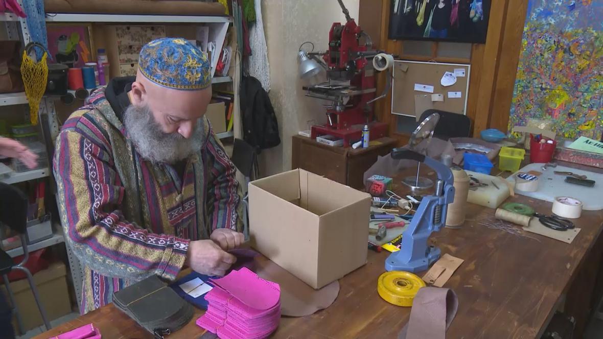 Jevgenij Rapaport ve svém obchodě
