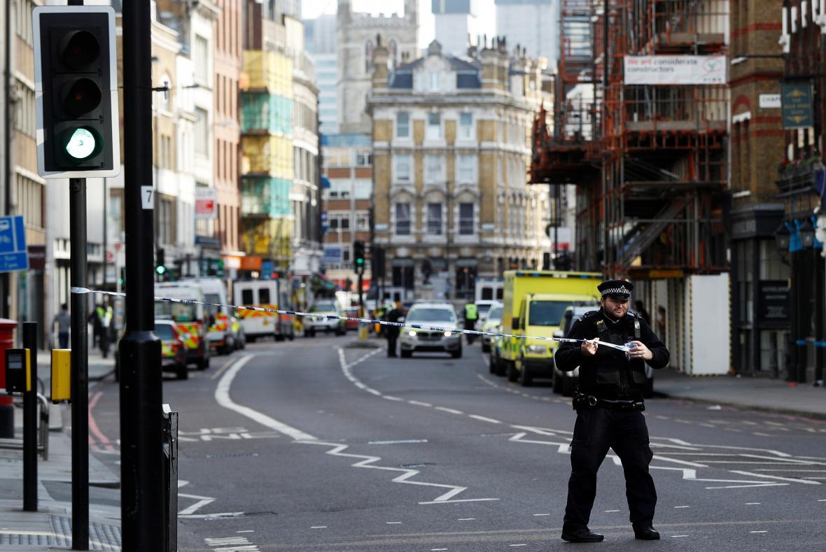 Londýnská policie poblíž Borough Market