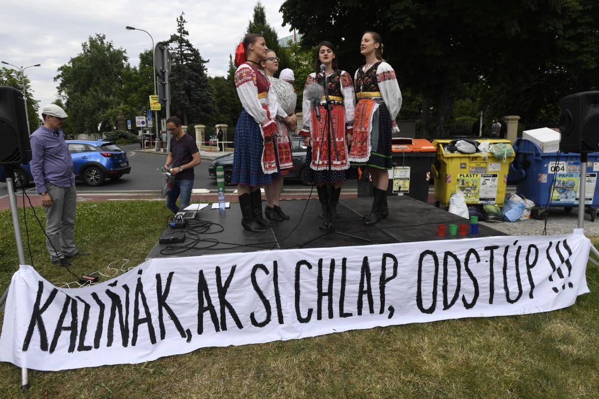 Slováci žádají odchod ministra vnitra