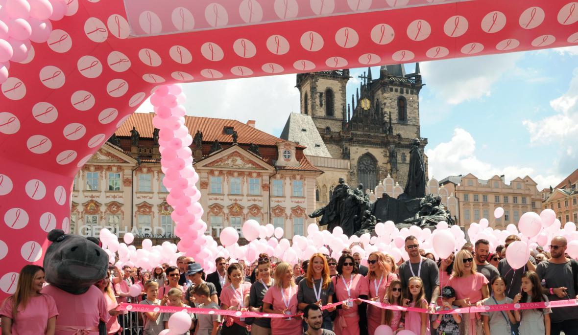 Růžový pochod proti rakovině prsu