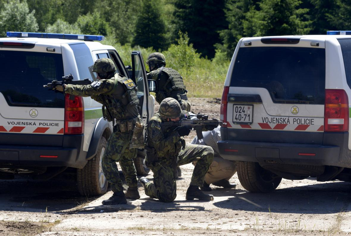 Bojová ukázka vojenské policie