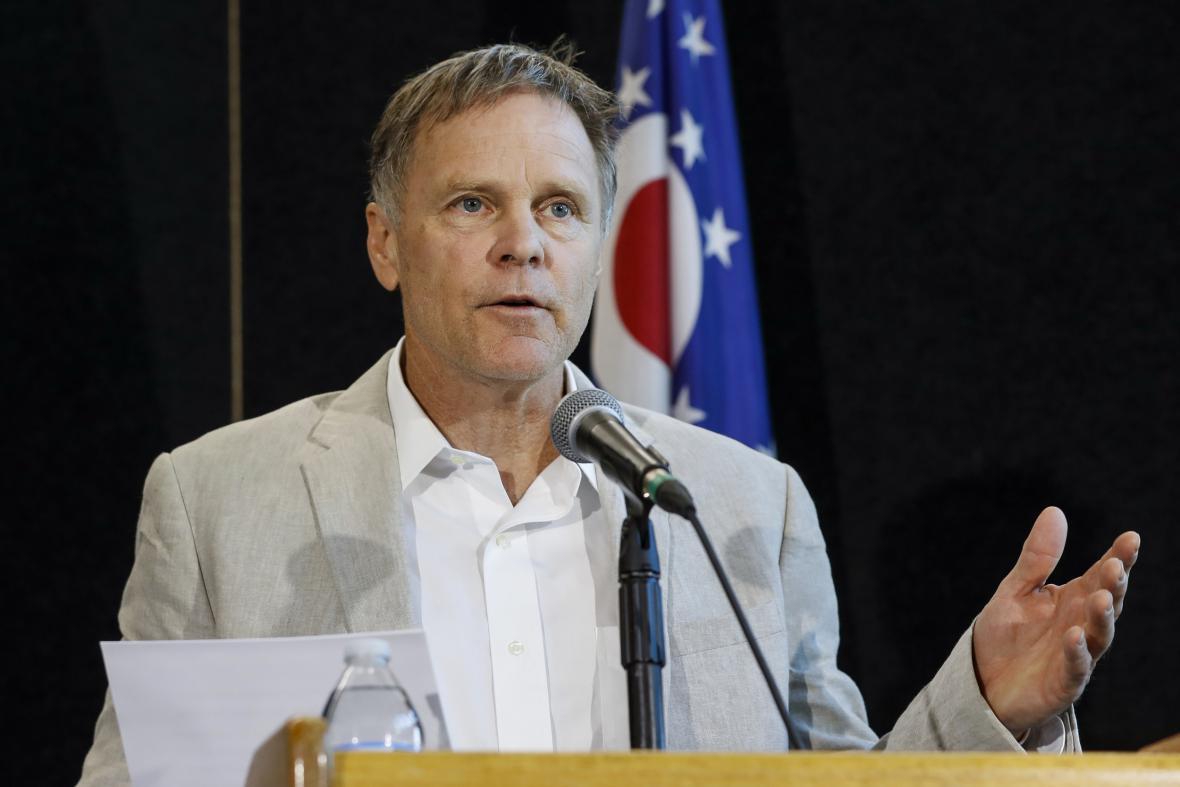Fred Warmbier během tiskové konference