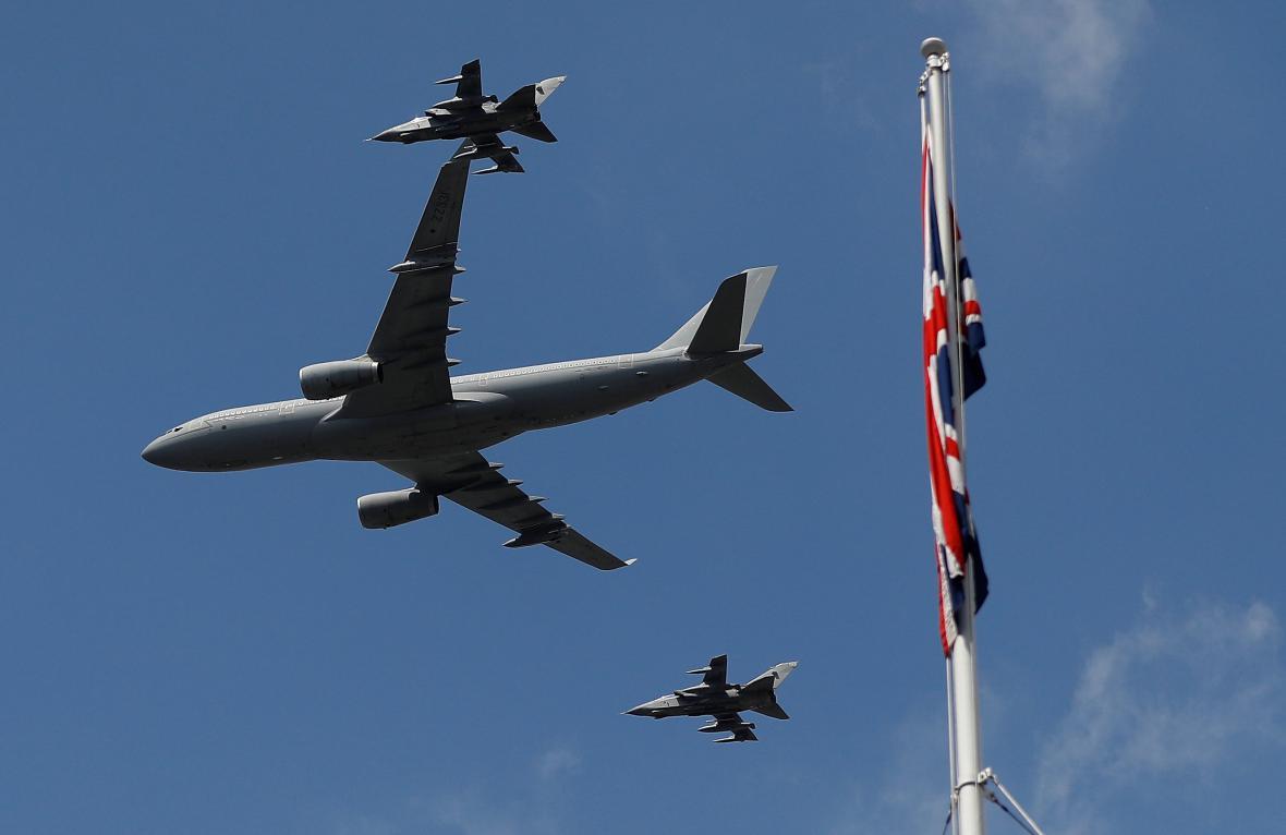 Přelet Royal Air Force nad Buckinghamským palácem
