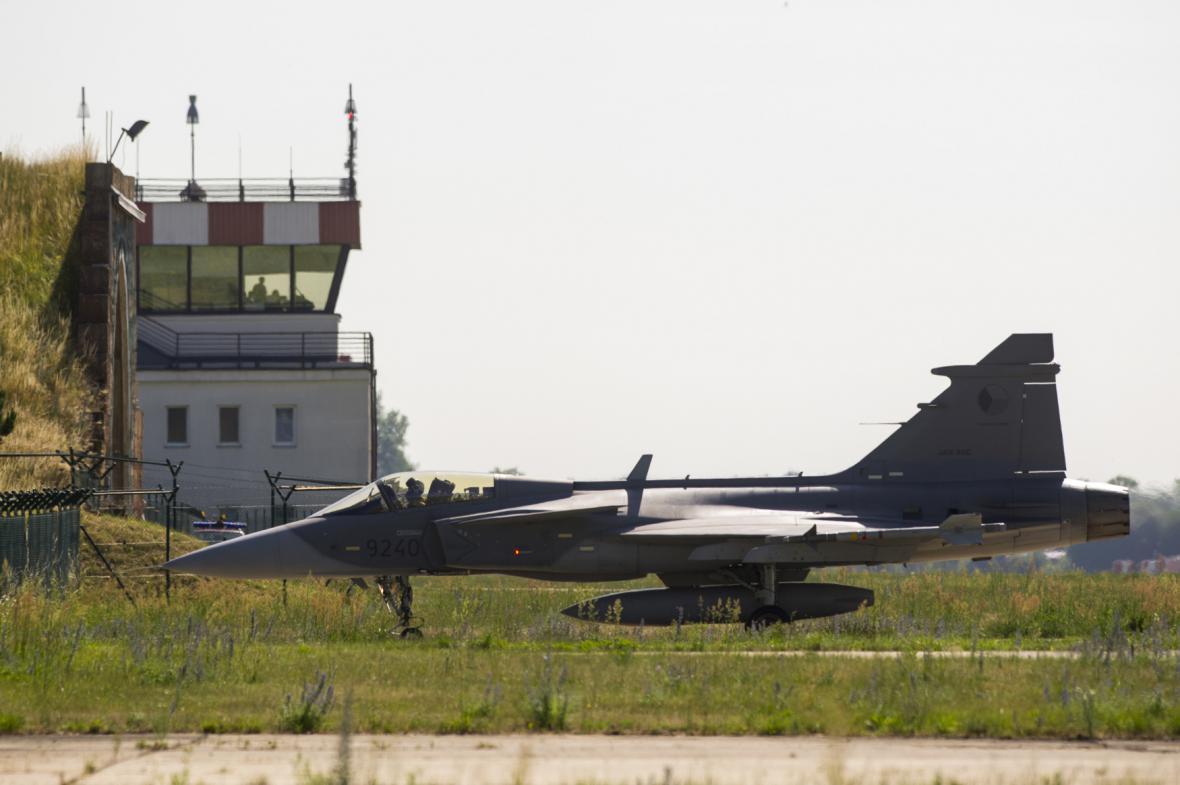Na pardubické vojenské letiště přiletěly letouny z Čáslavi