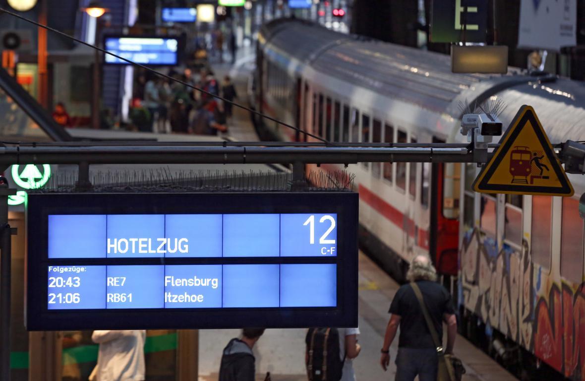 Hotelový vlak na nádraží v Hamburku
