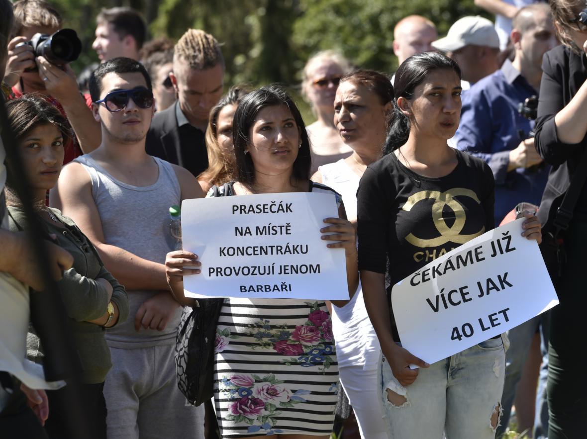 Protest proti vepřínu v Letech u Písku