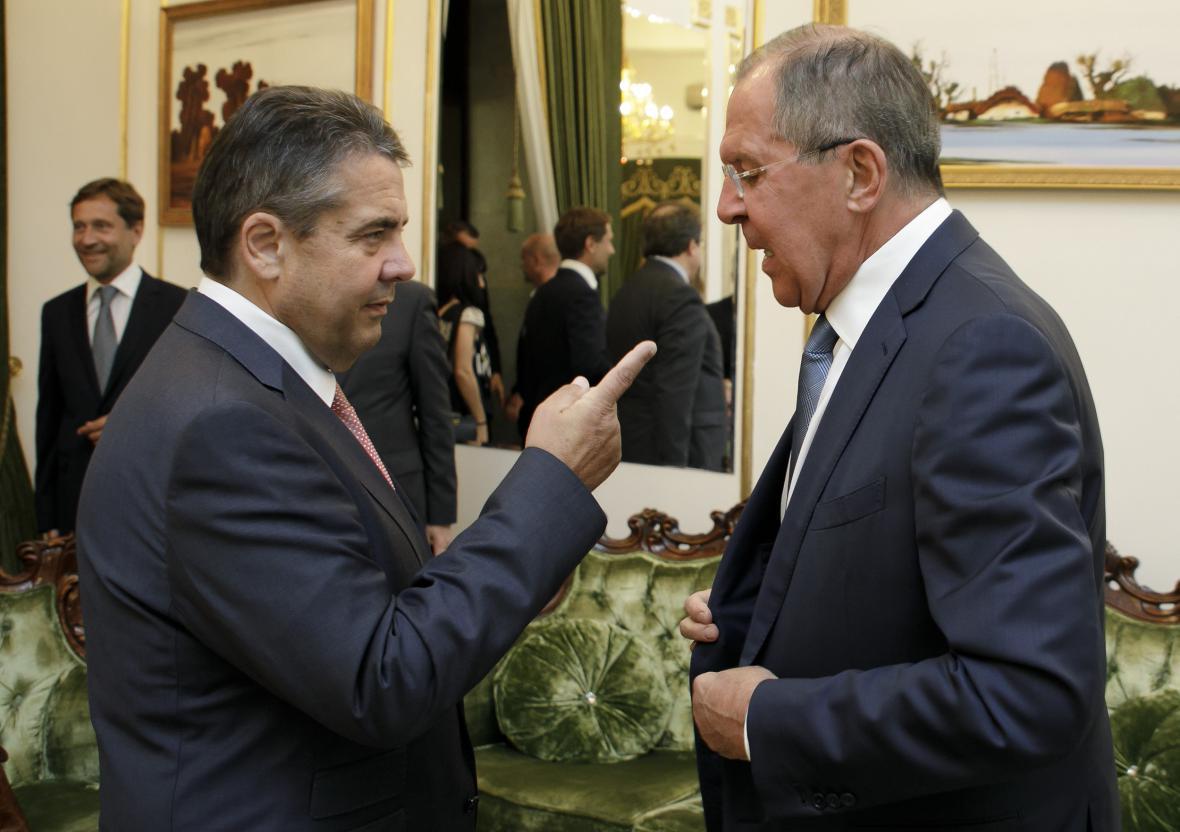 Sigmar Gabriel a Sergej Lavrov