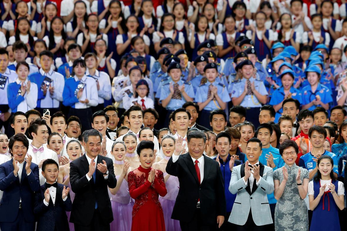 Prezident Si Ťin-pching si návštěvě Hongkongu navštívil i divadelní představení