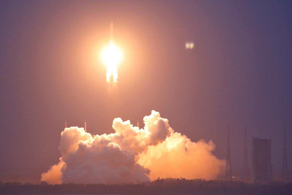 Start rakety Dlouhý pochod 5