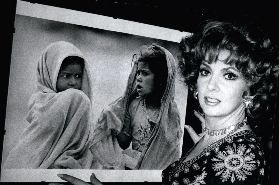 Gina Lollobrigida a její fotografie z Indie