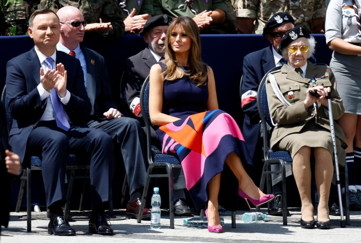 Andrzej Duda a Melanie Trumpová během projevu Donalda Trumpa ve Varšavě