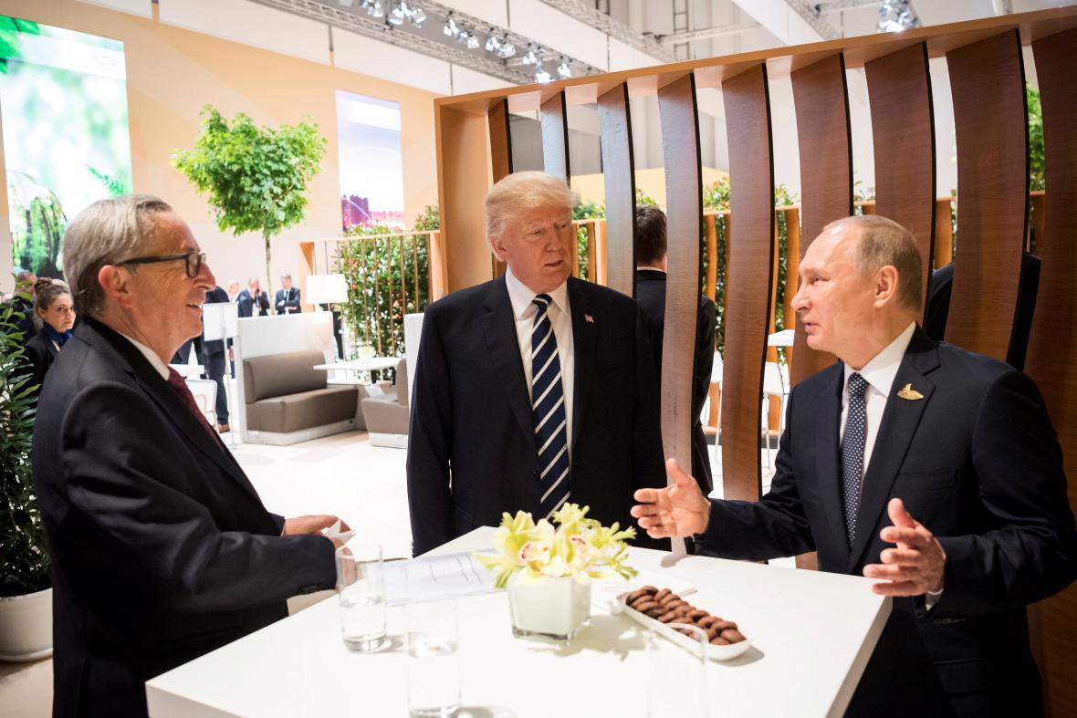 Trump se v rámci summitu G20 prvně sešel s Putinem