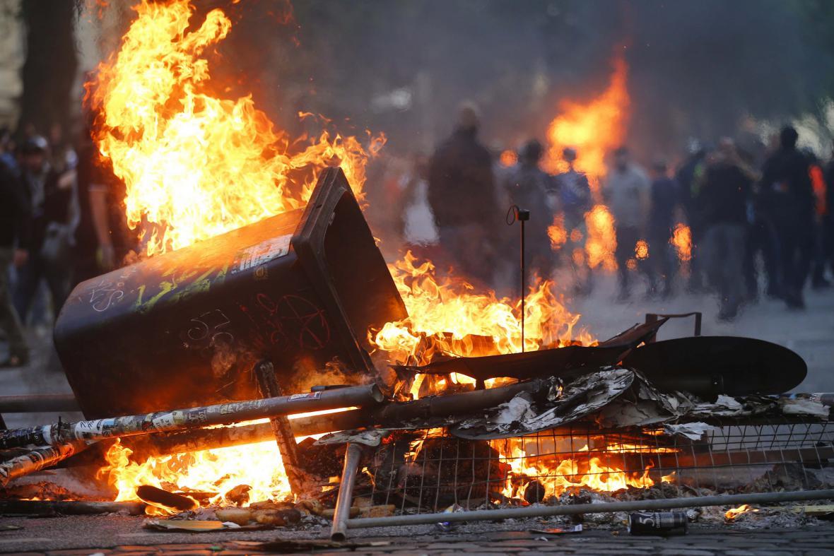 Protesty v ulicích Hamburku