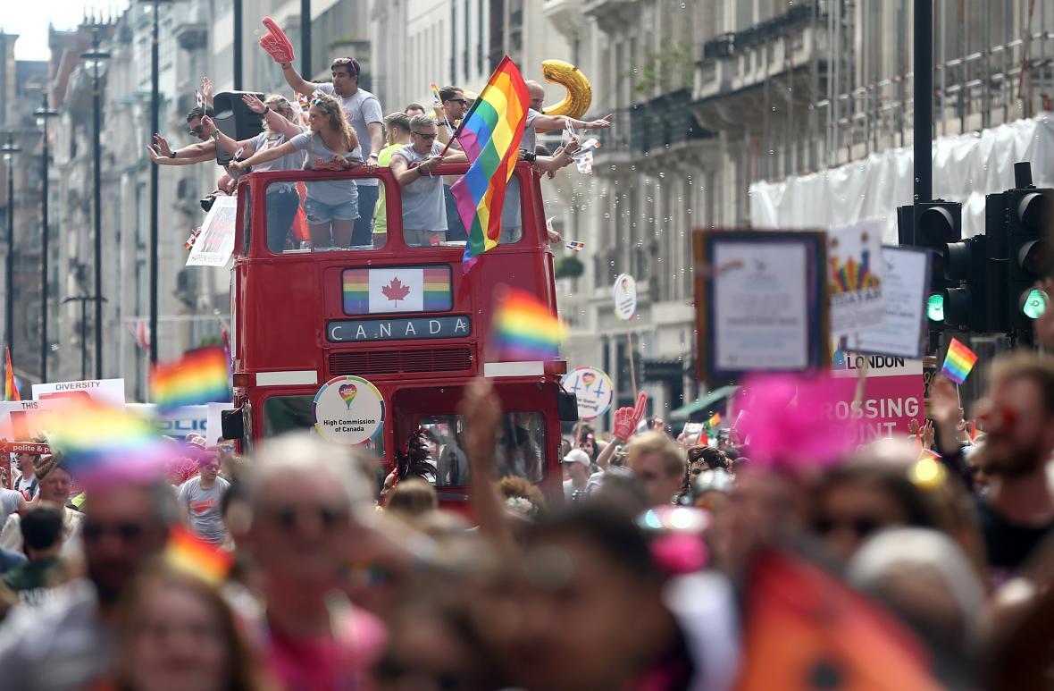 Centrem Londýna prošel průvod na podporu menšin