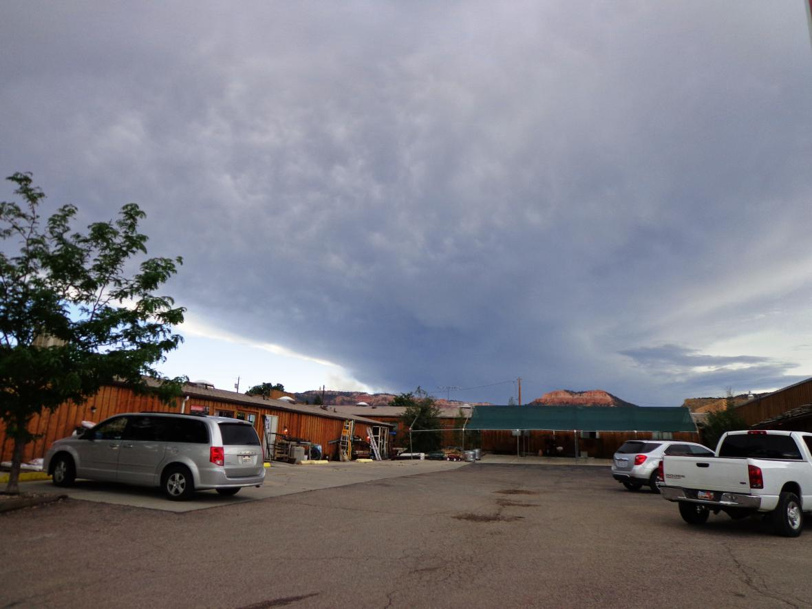 Bouřka u Bryce Canyonu