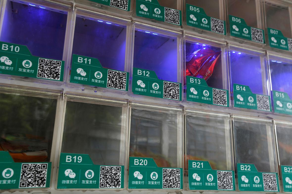 Prodejní automat uzpůsobený pro mobilní platby