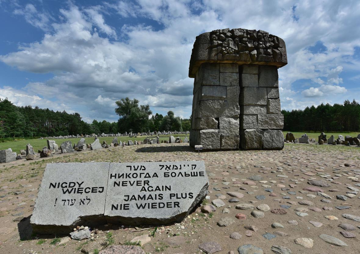 Památník obětí koncentračního tábora v Treblince