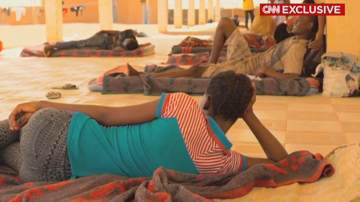 Televize CNN natáčela s migranty v Nigeru
