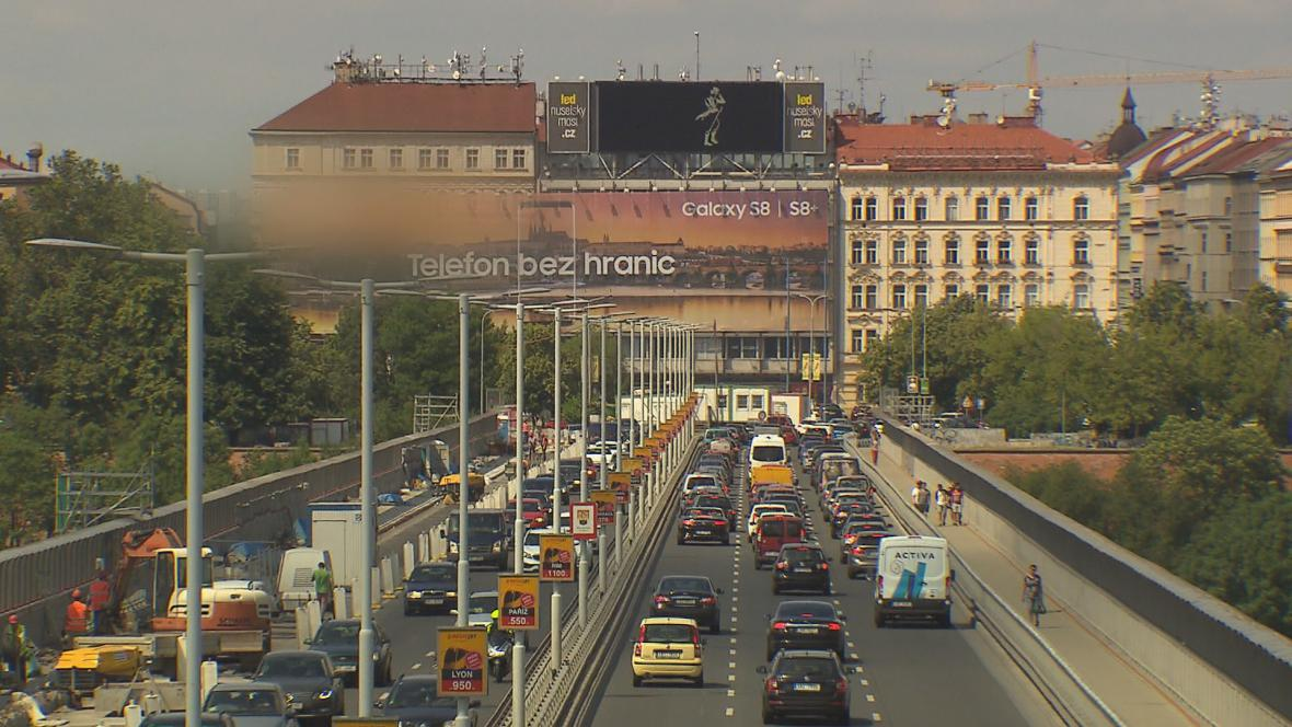 Billboard na Nuselském mostě