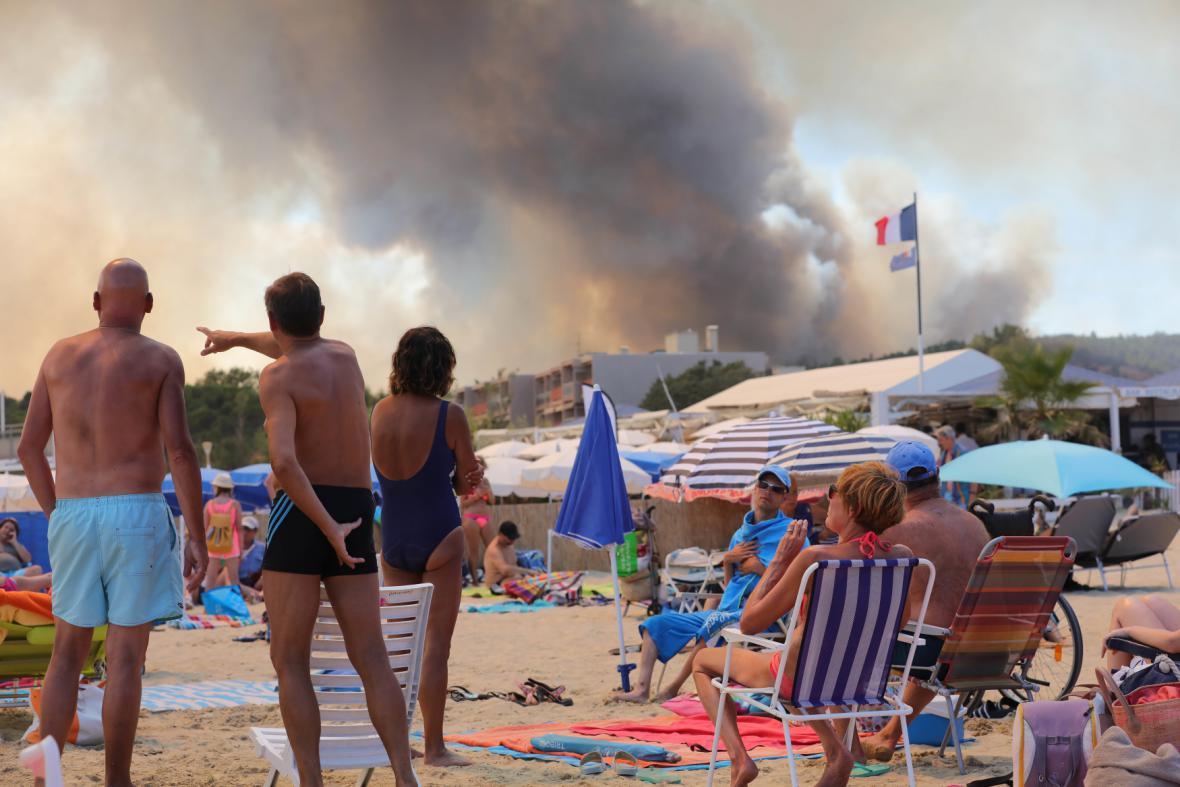 Požár ve francouzském Bormes-les-Mimosas