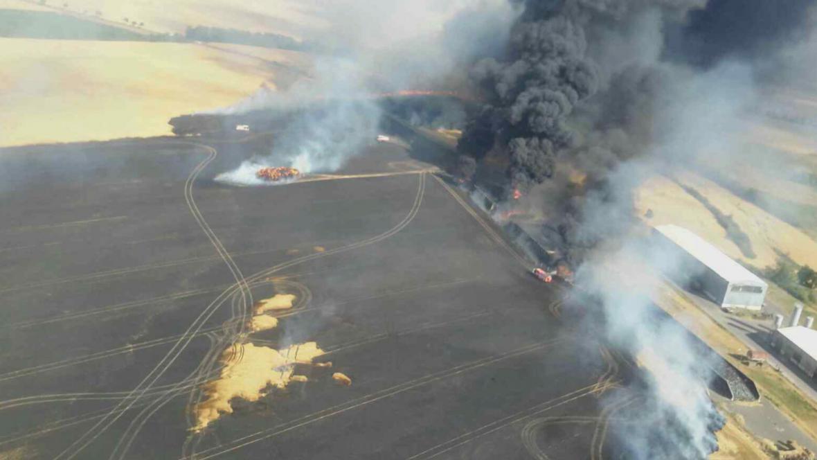 Požár pole na Znojemsku