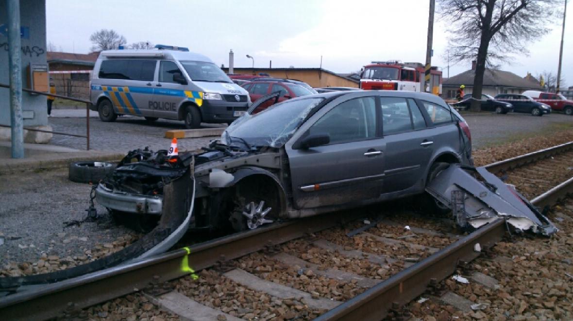 Nehoda na přejezdu ve Vracově v lednu 2015