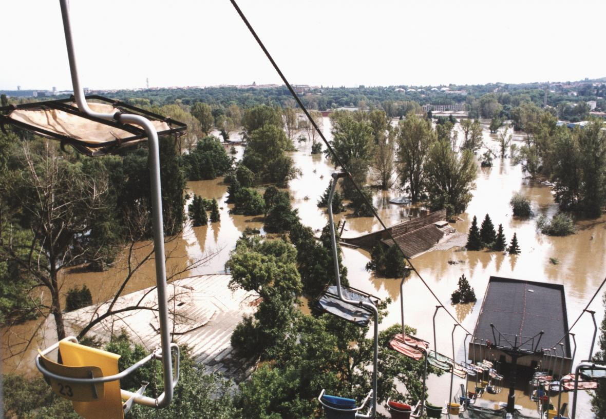 Zatopená ZOO Praha (13.8.2002)