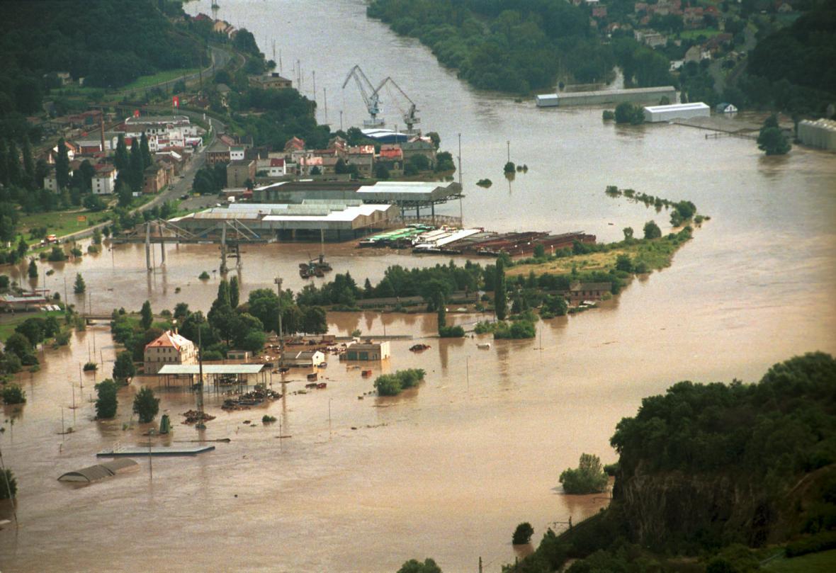 Rozvodněné Labe v Ústí nad Labem