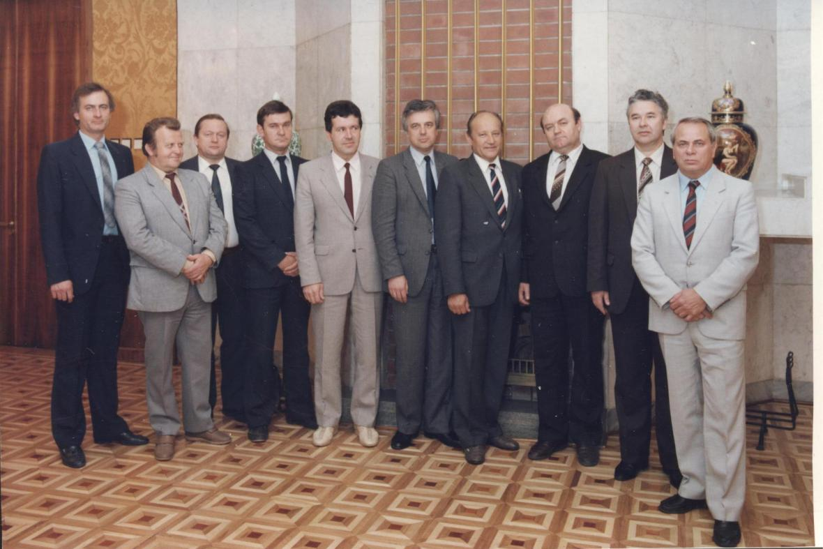 Jaromír Ulč (vlevo) v roce 1987 v Moskvě s kolegy z KGB