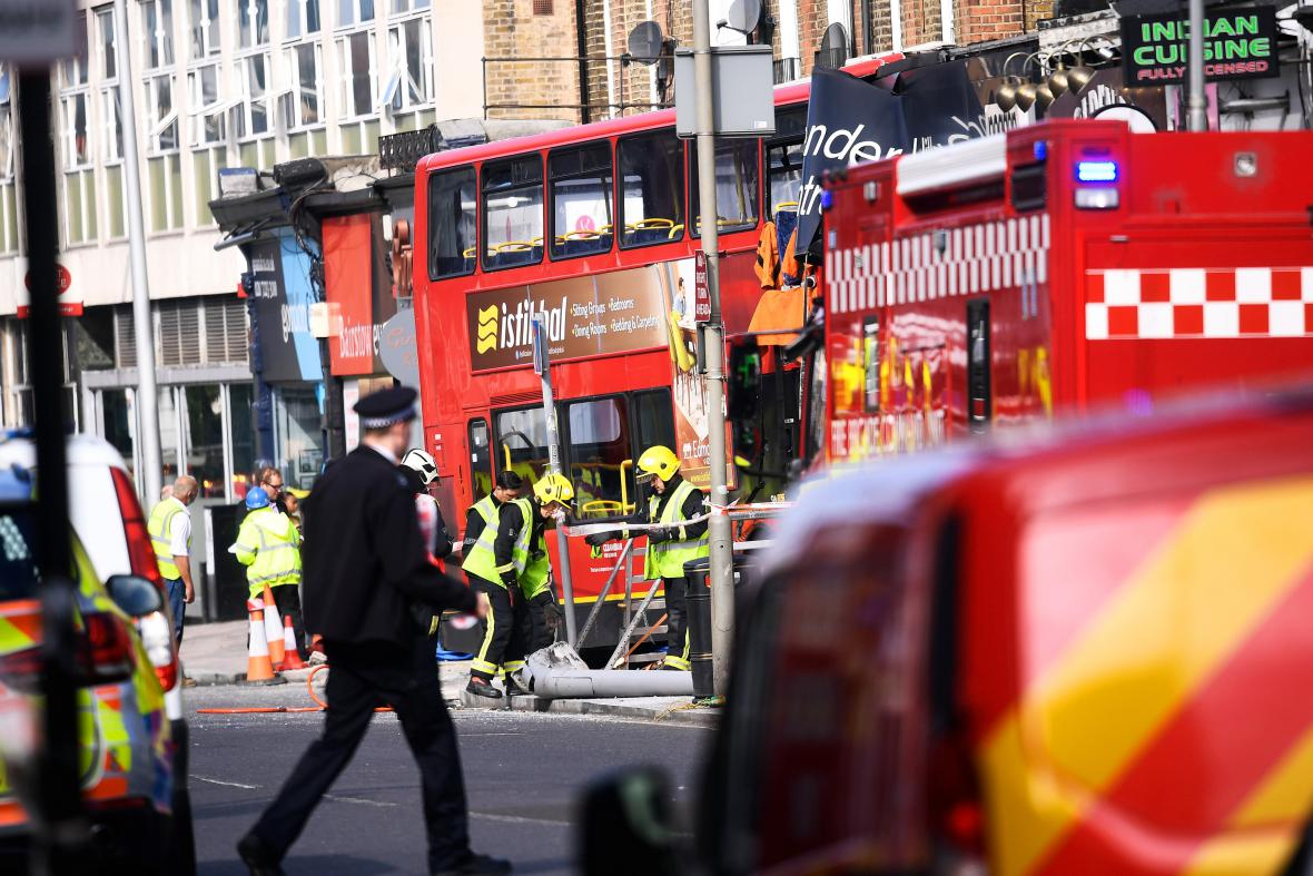 Nehoda londýnského doubledeckeru