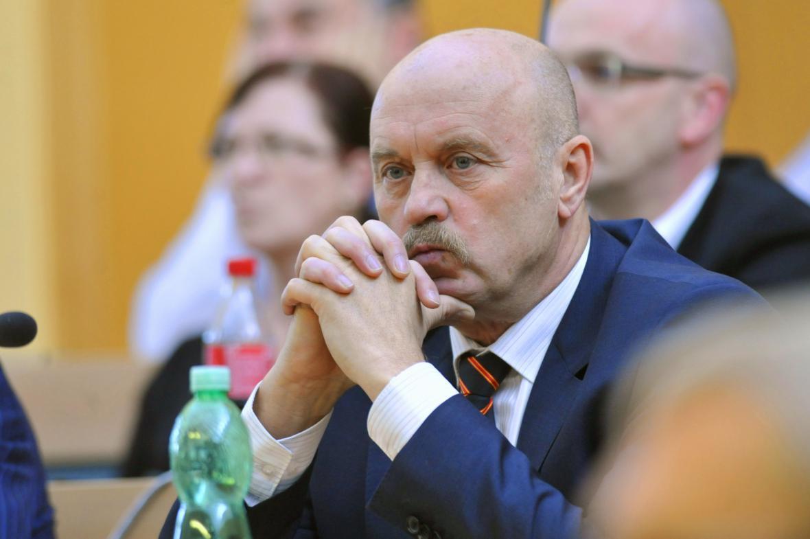 Exhejtman Karlovarského kraje a poslanec Josef Novotný